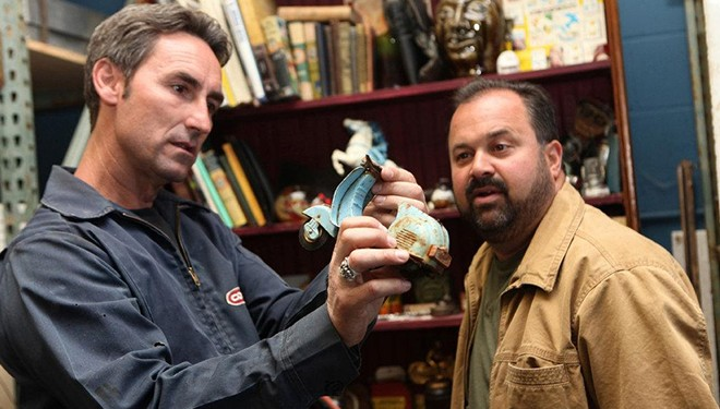 'American Pickers' Episode Guide (Aug. 13): Retro Boat Found in California