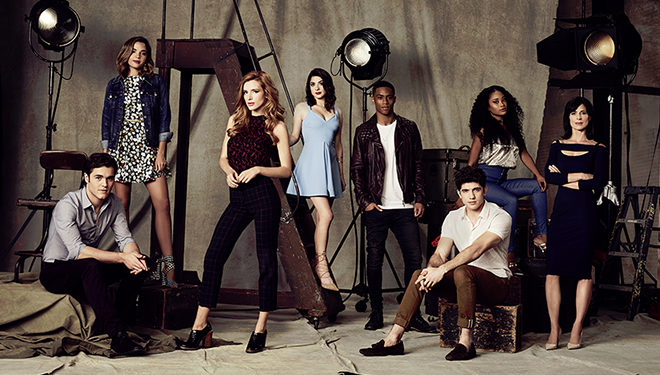 'Famous in Love' Episode Guide (May 2): Nina Makes Cuts to the Movie Budget