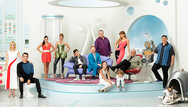 'Modern Family' Episode Guide (March 15): Mitchell Accidentally Overturns an Urn Filled With Cam's Pet Pig's Ashes