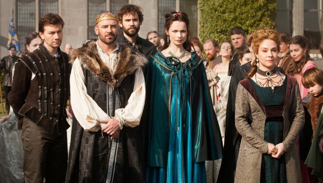 'Reign' Episode Guide (May 19): Darnley Tries to Strip Mary of Her Throne