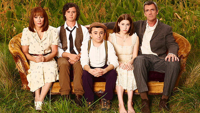 'The Middle' Episode Guide (April 18): Mike Threatens to Get Rid of the Family Pool