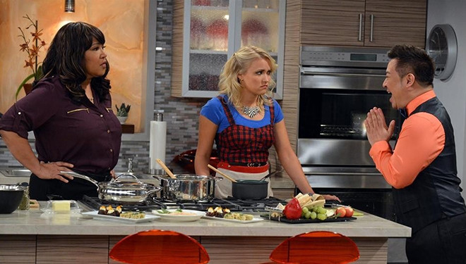 'Young & Hungry' Episode Guide (Aug. 20): Yolanda's Son Takes an Interest in Gabi